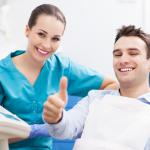 Nuo mąstymo apie odontologijos studijas iki nuosavos klinikos